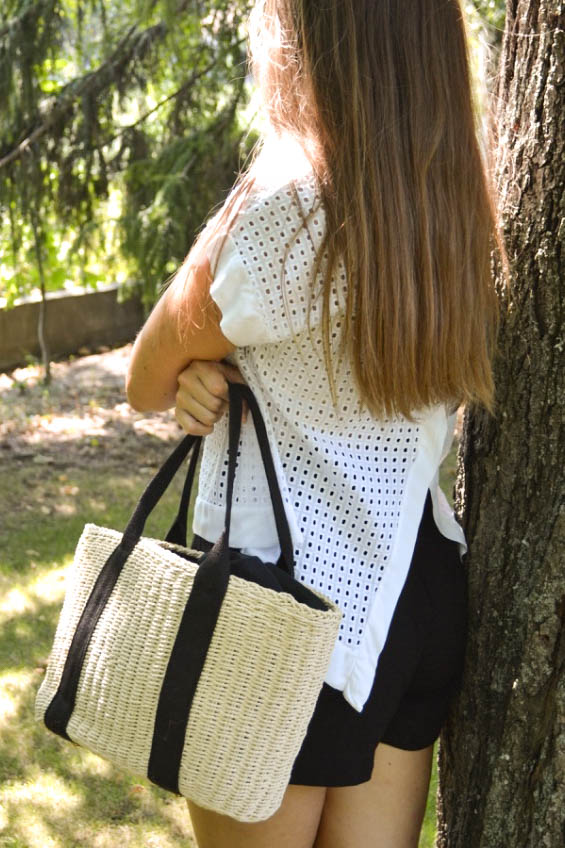 Mara Summer Tote Bag Creme and Black Worn