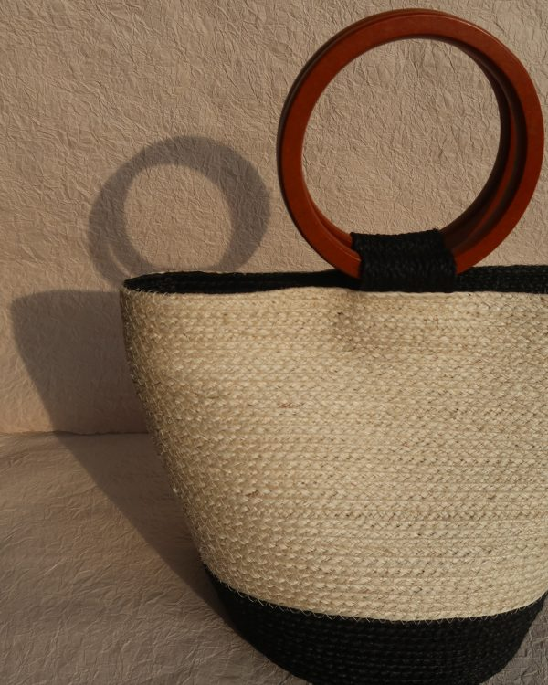 Louise Sisal Summer Bag Creme and Black Ring Handle Front