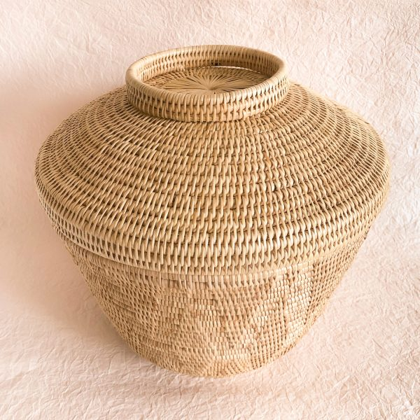 Handmade Woven Rattan Baskets With Lid XL Perspective